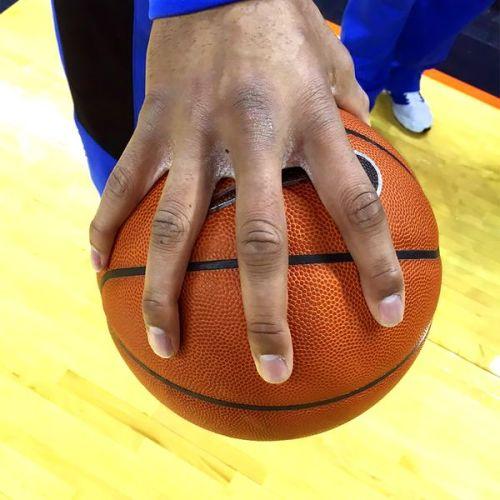 jahlil-okafor-hands